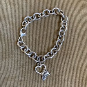 Jewelry - Silver chain bracelet with Love heart charm